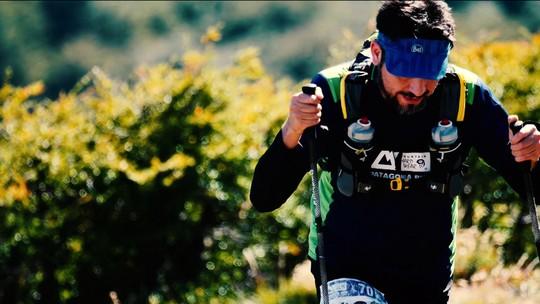 Lado a lado: ultramaratonistas cruzam a linha de chegada juntos na Patagônia