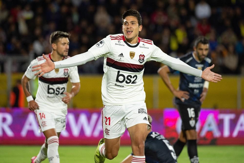 Pedro supera histórico e participa de um gol a cada 14 minutos pelo Flamengo