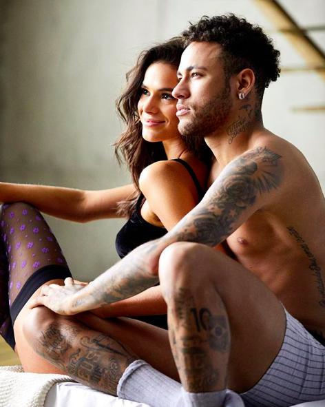 Bruna Marquezine e Neymar em foto do Instagram do jogador (Foto: Reprodução/Instagram)
