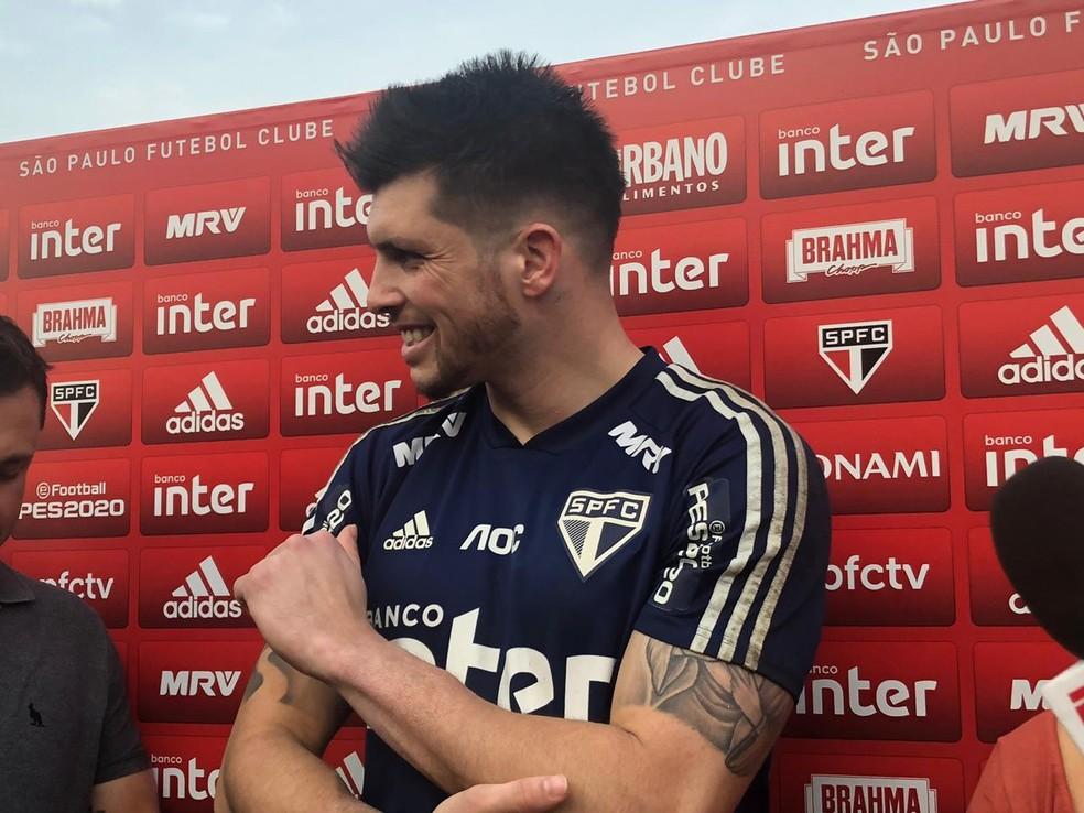 Tiago Volpi durante entrevista coletiva no São Paulo — Foto: Marcelo Hazan