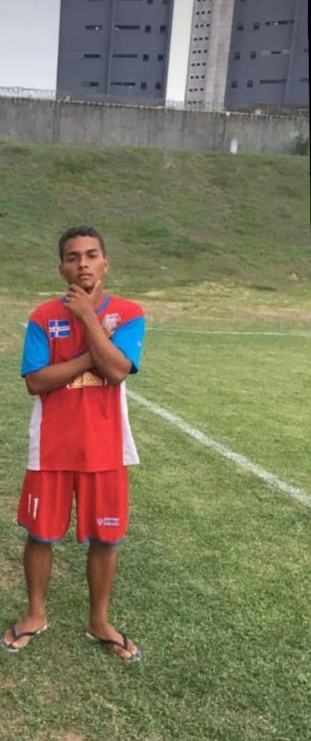 Jogador de futebol é assassinado a tiros dentro de casa na Grande Natal