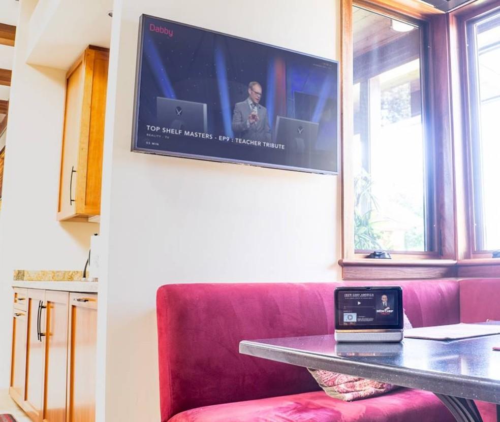 Dabby pode ser conectada ao televisor por HDMI ou via Wi-Fi — Foto: Divulgação/Dabby