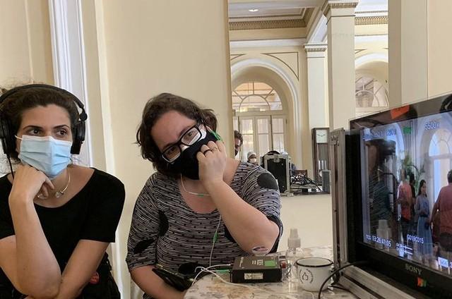Bastidores das gravações de 'Além da ilusão' (Foto: TV Globo)