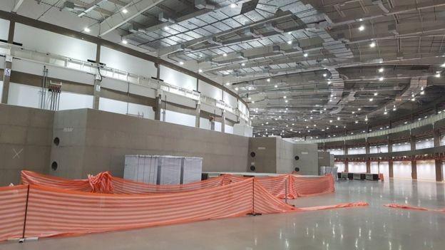 Área do Sirius onde as linhas de luz síncrotron sairão e serão construídas as estações de pesquisa (Foto: Felipe Souza/BBC News Brasil)