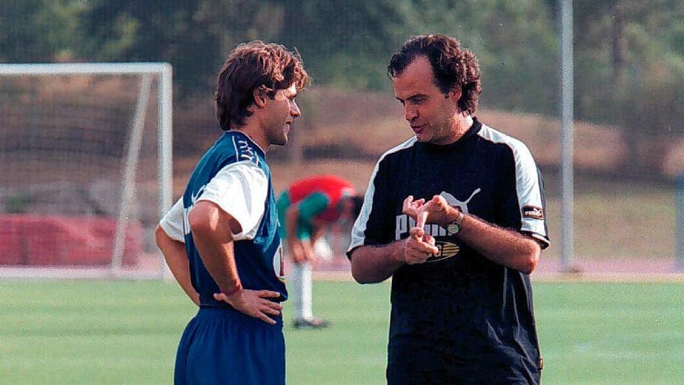 Pochettino e Bielsa em 1998 — Foto: Getty Images