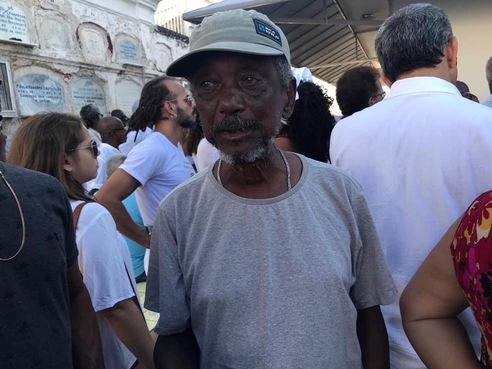 Irmão do capoeirista morto durante discussão política na Bahia — Foto: Alan Tiago Alves/G1