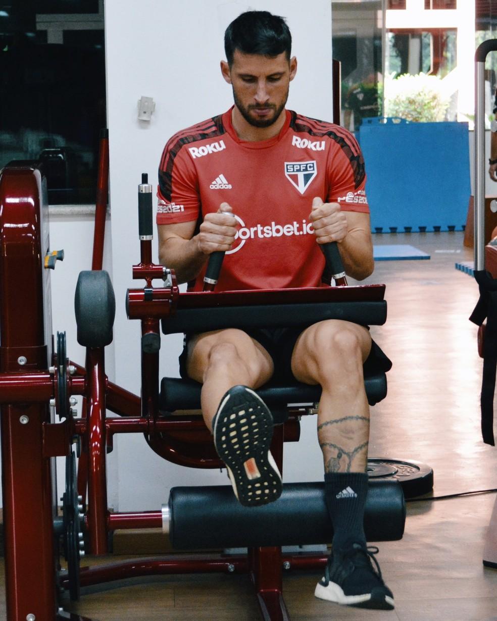Calleri faz treino físico no São Paulo — Foto: Fellipe Lucena / saopaulofc
