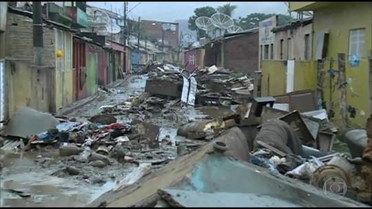 Sobe para 55,1 mil o número de desabrigados e desalojados por causa das chuvas em PE