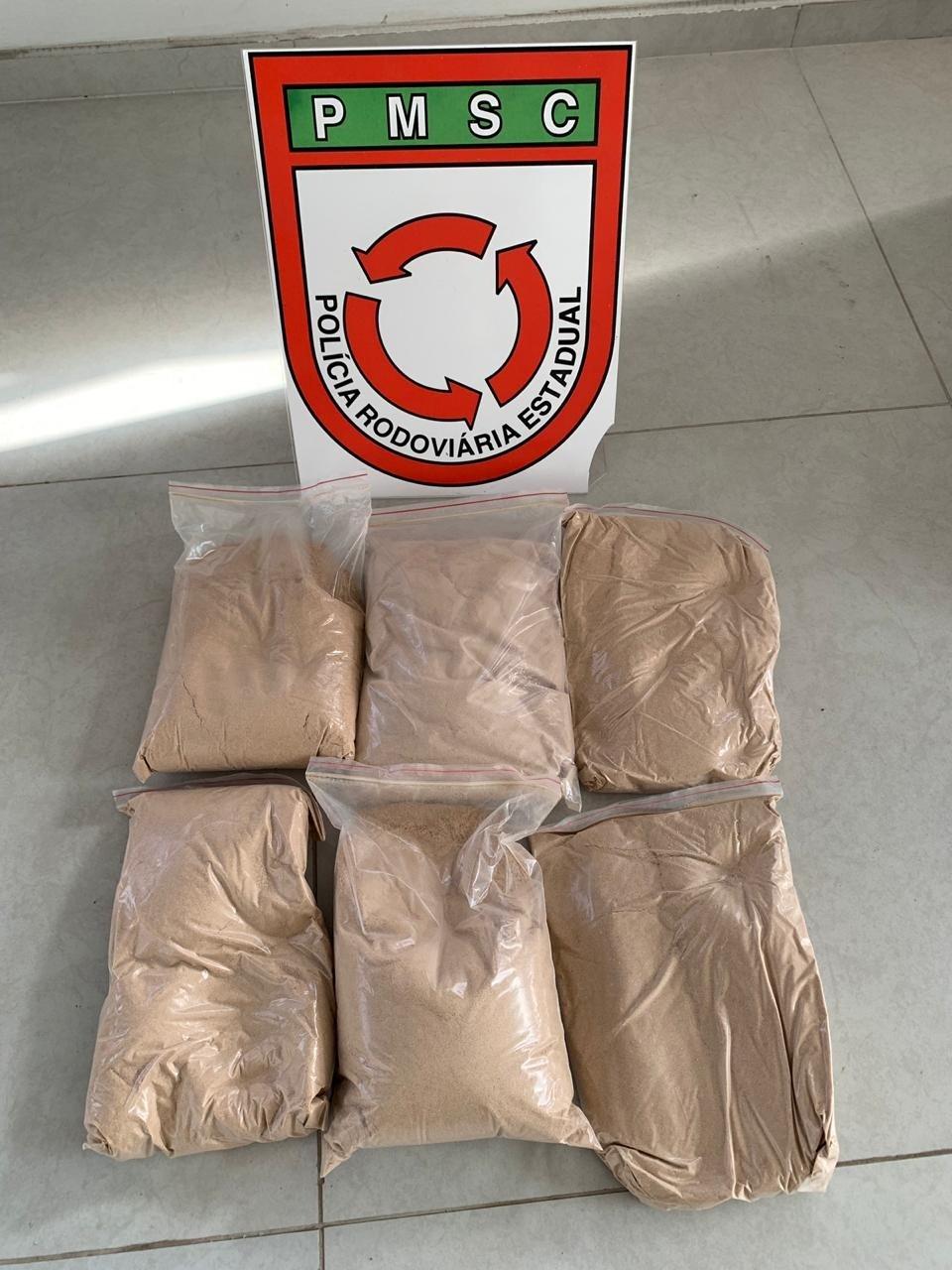Polícia apreende seis quilos de MDMA e três homens são detidos no Norte de SC - Notícias - Plantão Diário