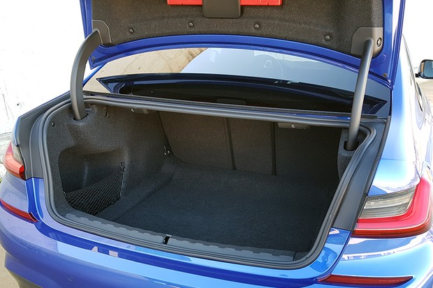 Novo BMW Série 3 (Foto: Ulisses Cavalcante/Autoesporte)