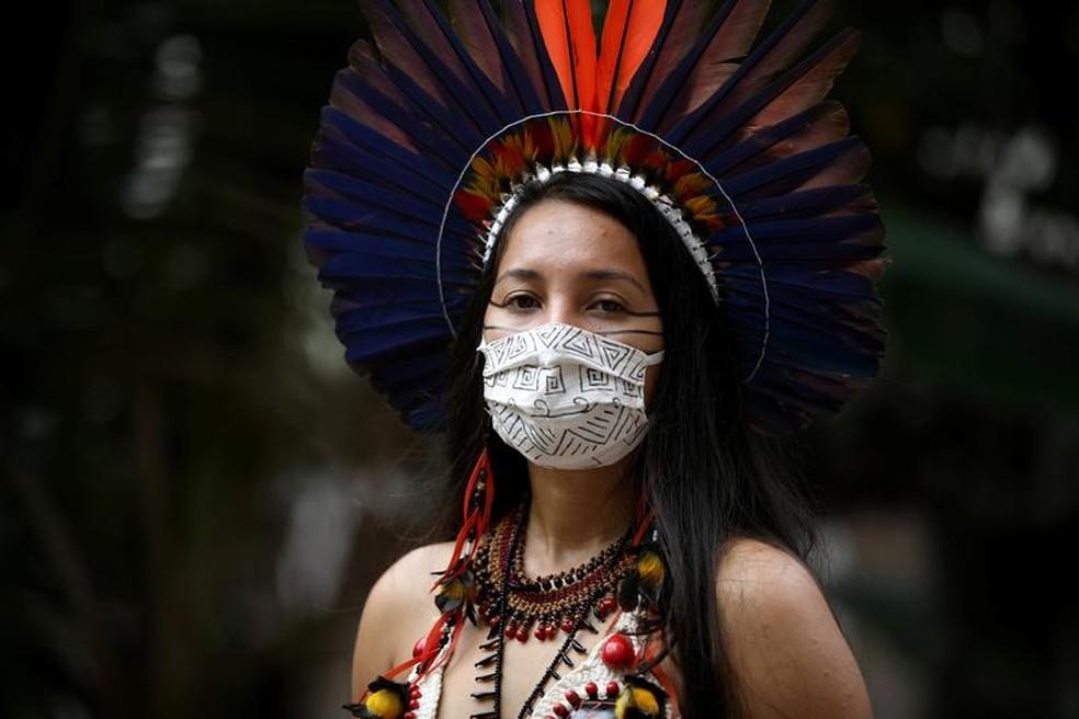Fundação Amazônia Sustentável (FAS) desenvolveu um material informativo com objetivo de conscientizar a população indígena — Foto: Divulgação