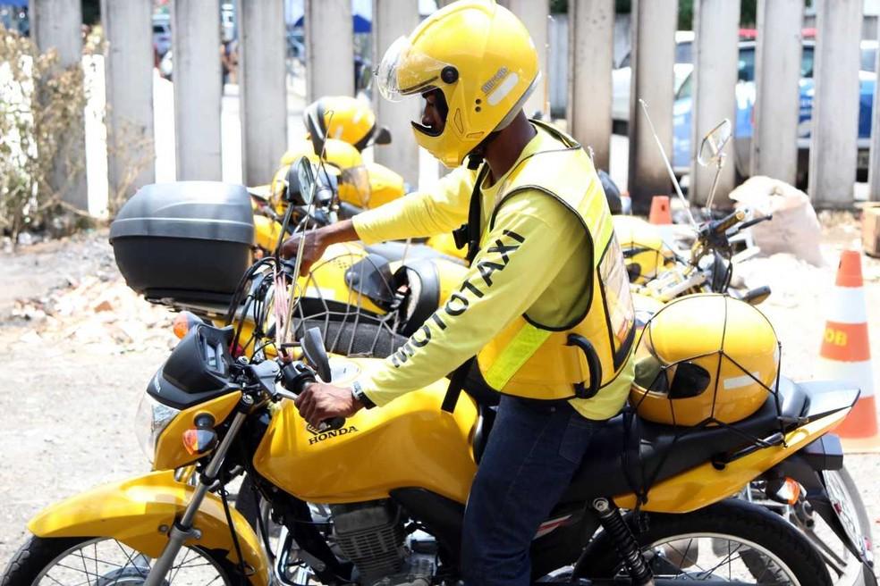 Aprovados na vistoria terão acesso ao alvará para atuar como mototaxista em Salvador. — Foto: Divulgação