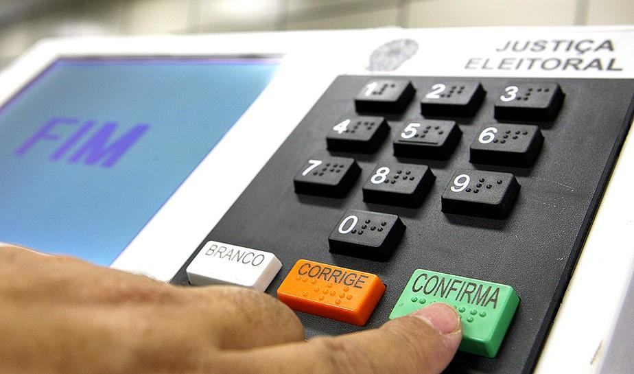 Parlamentares estimam adiar 1º turno das eleições para 15 de ...