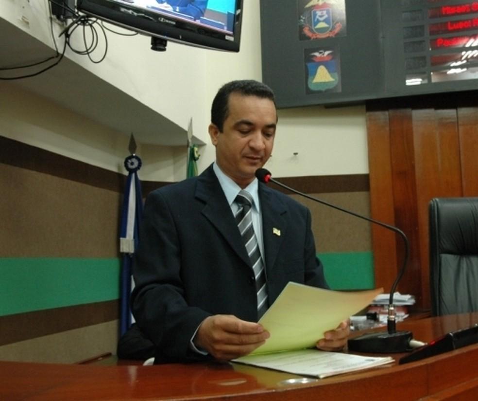 Juiz manda cassar o mandato do vereador Marcrean Santos, do (PRTB),  (Foto: Câmara de Cuiabá/Divulgação)