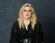 Desabafo de Kelly Clarkson em talk show levanta rumores sobre motivo de divórcio