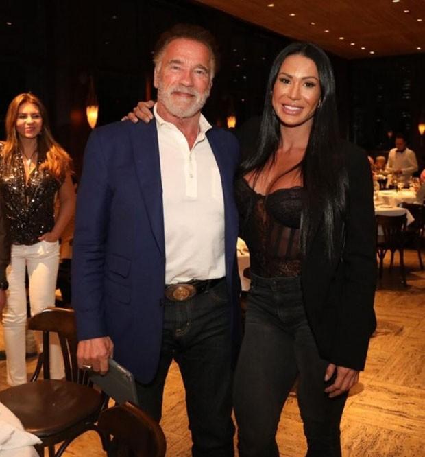 Arnold Schwarzenegger e Gracyanne Barbosa (Foto: Rodrigo Dod / Savaget)