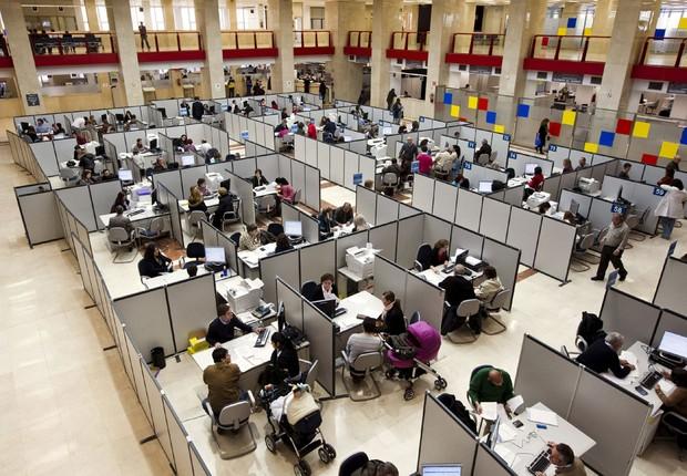 Funcionalismo público ; funcionários públicos ; servidores públicos ;  (Foto: EFE)