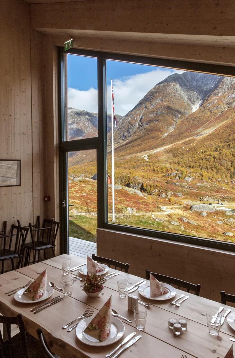 Estúdio constrói cabines turísticas com vista para as geleiras na Noruega (Foto: Jan M Lillebø)