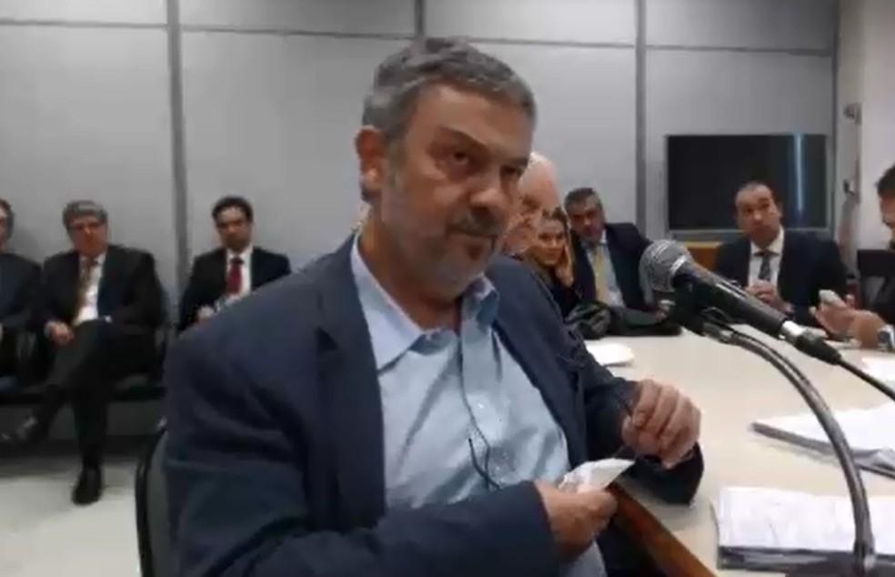 O ex-ministro Antonio Palocci durante depoimento ao juiz Sergio Moro,da Lava Jato, em Curitiba (Foto: Reprodução)