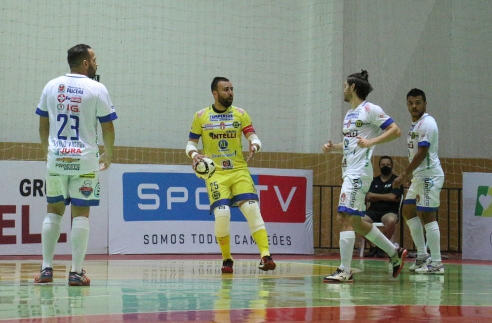 Velloso se despediu do Dracena — Foto: João Paulo Benini / Dracena Futsal, Divulgação