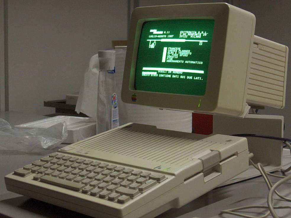 Display com suporte a 80 colunas de texto era destaque do IIc — Foto: Reprodução/Wikimedia