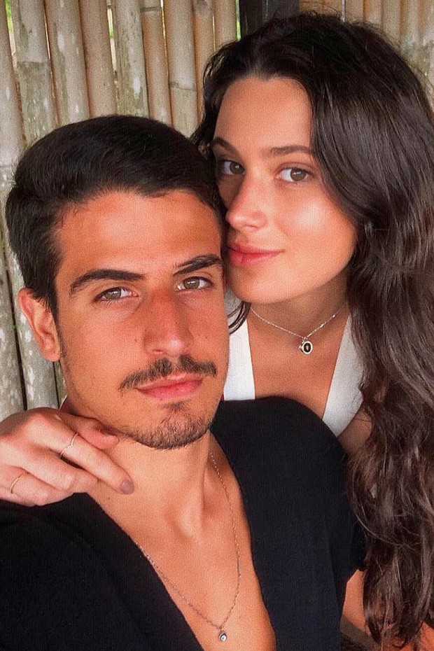 Enzo posa com a irmã, Sophia Raia (Foto: Reprodução/Instagram)