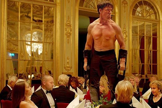 Cena de 'The Square'. Leva o Oscar? (Foto: Reprodução/ YouTube)