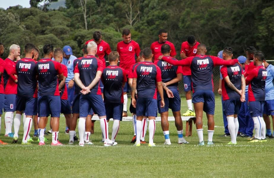 fa3577fff5130 ... Paraná Clube usa 21 jogadores em três partidas e ainda tem fila de  espera