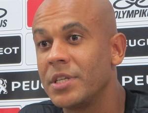 Alex Silva pede paciência com o Fla: 'Esse grupo vai dar certo'
