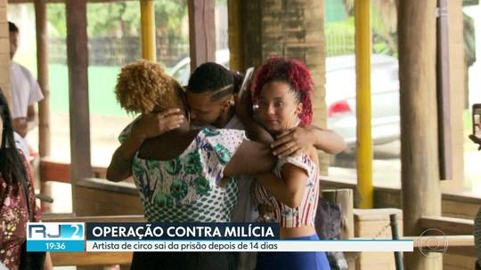 Artista circense preso como miliciano deixa cadeia em Bangu, no Rio