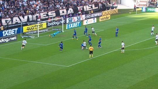Jordi faz quatro defesas difíceis contra o Corinthians e vira o destaque do CSA no Cartola FC