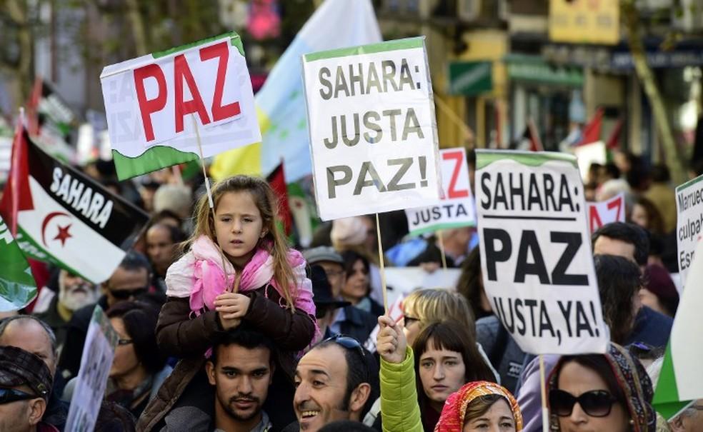 Milhares protestam pela libertação do Saara Ocidental, em Madri, em ato realizado em 2014 — Foto: AFP PHOTO/ JAVIER SORIANO