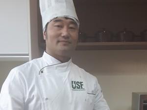 Chef ensina receitas com insetos em Campinas (Foto: Júlia Groppo/ G1)