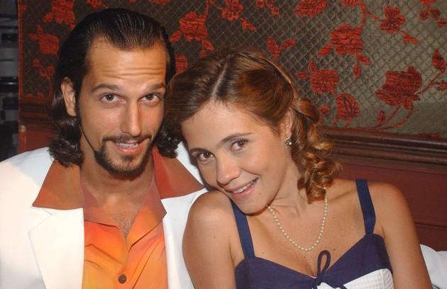 """Em """"Kubanacan"""", Adriana Esteves e Vladimir Brichta - casados na vida real - interpretaram um par romântico pela segunda vez. A primeira foi em """"Coração de estudante"""" (2002) (Foto: TV Globo)"""