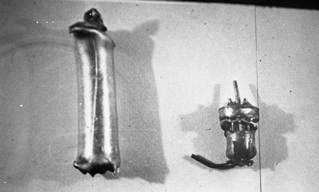 Imagem divulgada pelo Exército mostra partes da bomba que explodiu
