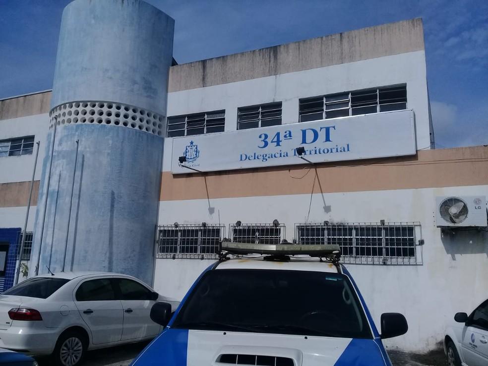 Caso é investigado pela 34ª DT de Portão.  — Foto: Cid Vaz / TV Bahia