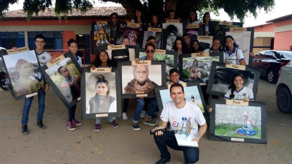 Jayse Ferreira e a turma de alunos — Foto: Arquivo Pessoal