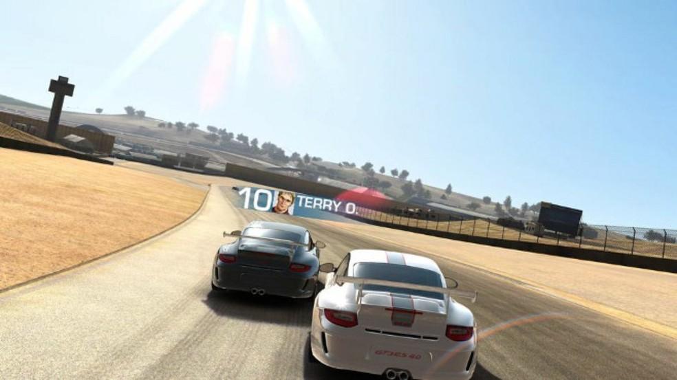 Real Racing 3 traz gráficos bonitos e muita diversão — Foto: Divulgação/EA Games