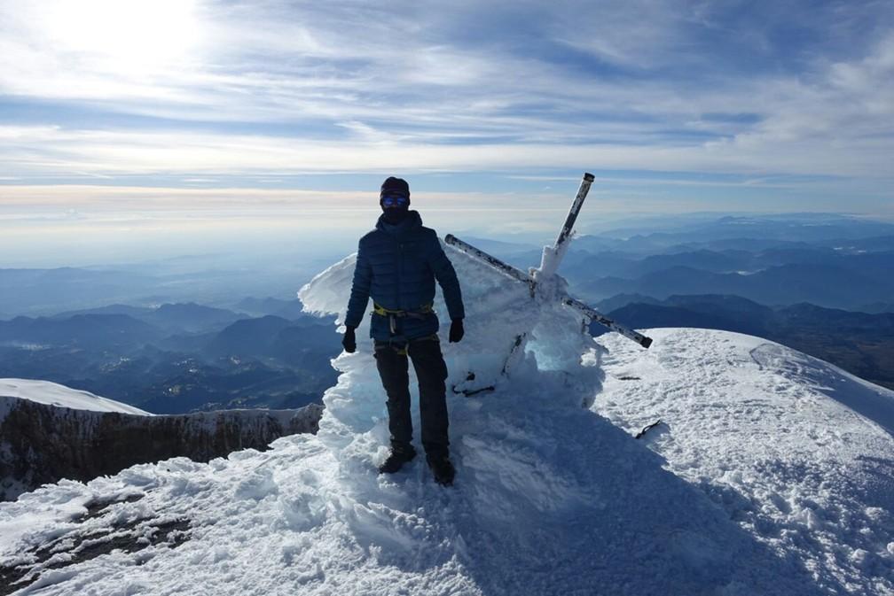 Mineiro chegou ao topo com mais de cinco mil metros de altitude no México. (Foto: Arquivo Pessoal)