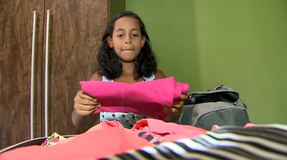 Sabrina fez as malas para visitar os irmãos no Piauí, após ganhar viagem — Foto: Reprodução/ TV Gazeta