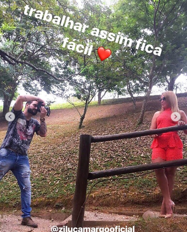 Marco Ruggiero fotografa a namorada, Zilu Godói (Foto: Reprodução)