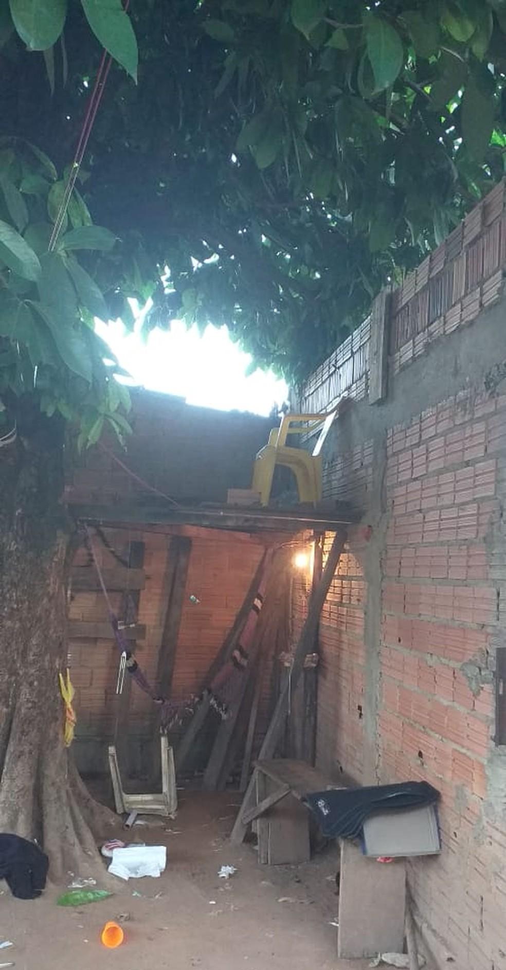 Guarita foi montada debaixo de pé de jambo na Zona Leste de Porto Velho' — Foto: Polícia Civil/Divulgação