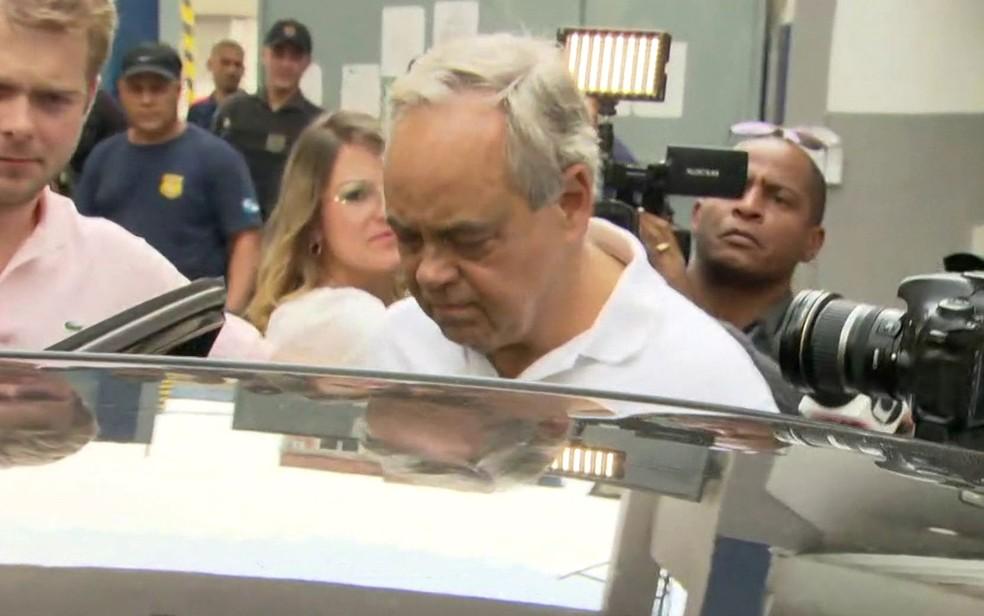 Lélis deixou a cadeia pública pouco depois das 12h (Foto: Reprodução / TV Globo)
