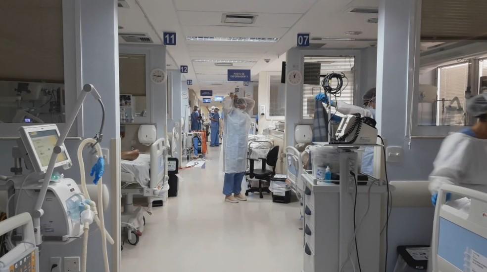 Unidade de terapia intensiva do Hospital das Clínicas (HC) de Ribeirão Preto (SP) — Foto: EPTV/Reprodução/Arquivo