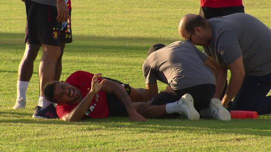 Juninho se machuca em treino do Sport, sai de maca e chorando e para por 15 dias