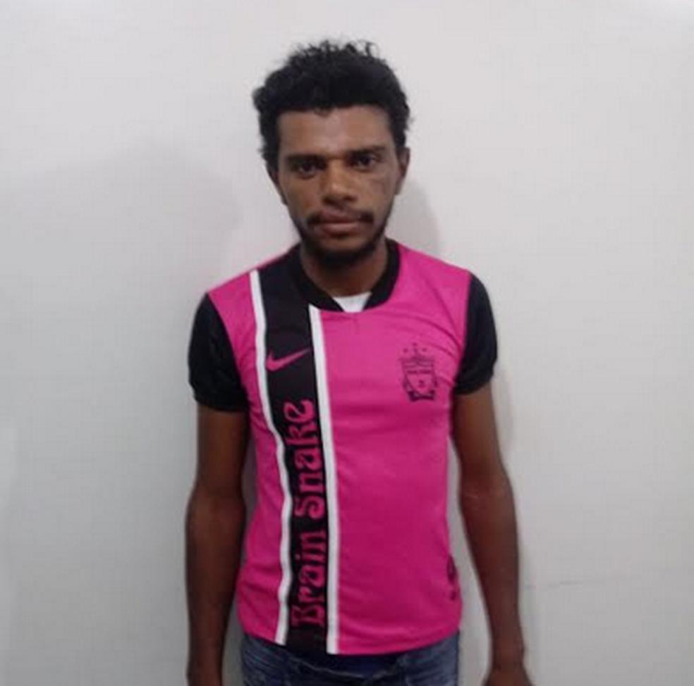 Alexsandro da Silva Lopes confessou ter assassinado homem em Araripina (Foto: Divulgação/  Dinter II)