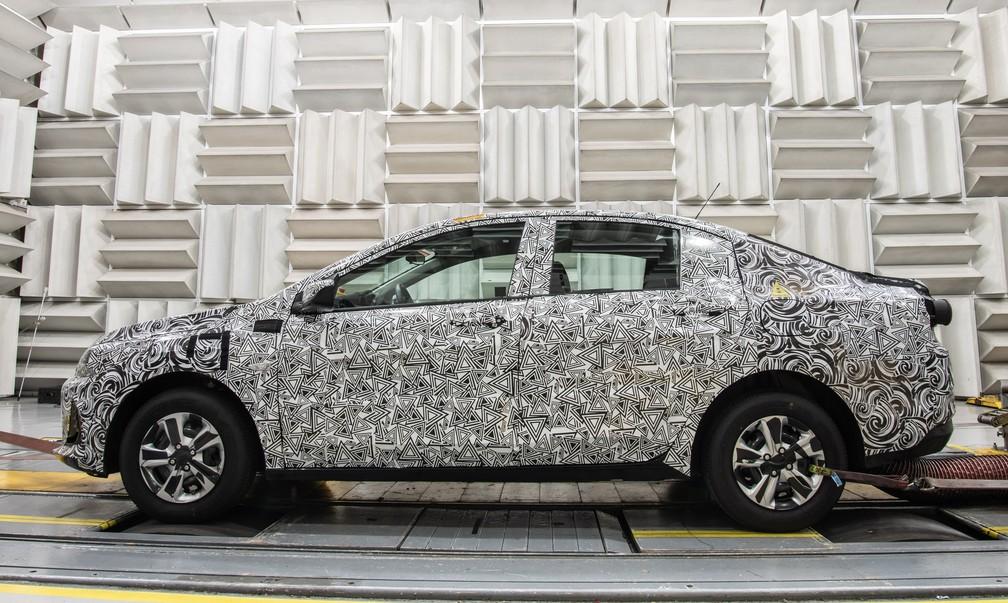 Com estrutura chinesa, modelo terá acabamento, motorizações e versões locais — Foto: Divulgação/Chevrolet