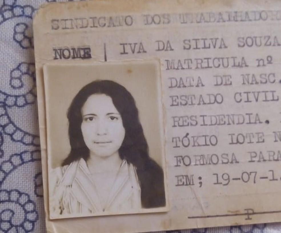 Foto de Iva da Silva Souza quando tinha 17 anos, um dos últimos registros que a família possui — Foto: Arquivo pessoal