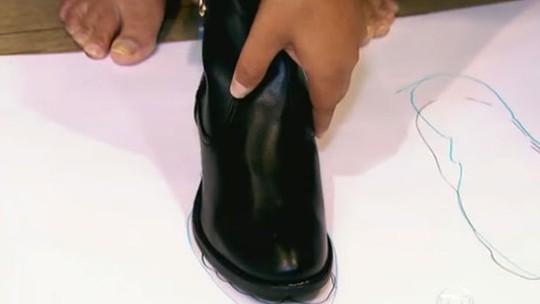 Tem Na Web - Ladrões furtam 13 pés direitos de sapatos em loja nos EUA