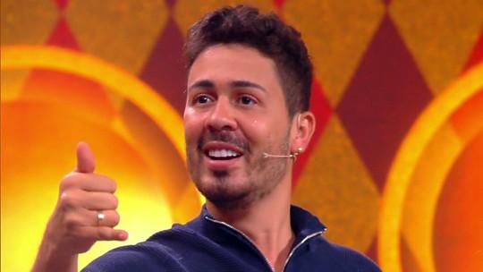 Carlinhos Maia diz que vai abrir live do seu casamento e que não gastou com a cerimônia